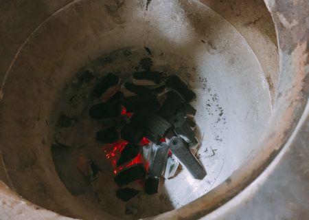ミリス ナン 焼く 炭窯