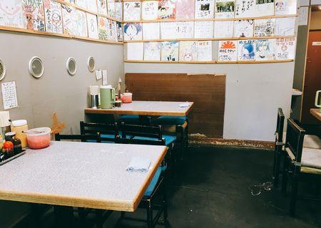 長浜ラーメン八王子 テーブル席