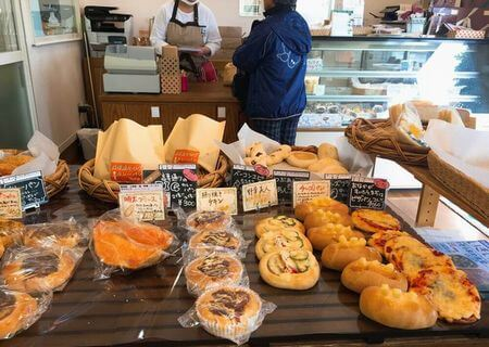 八王子市めじろ台パン屋さんファリーヌ店舗内 (1)
